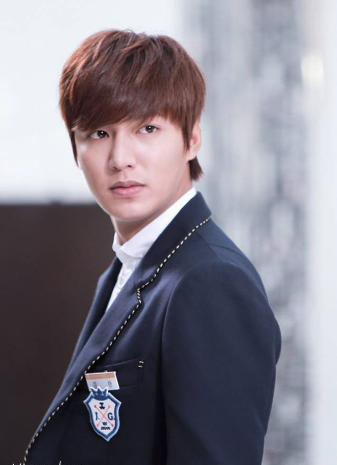 1589084000274-1589082324010-theheirs4-15572464496471988658004