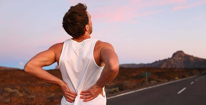 Back-pain-Athletic-running-ma-8645-4361-1592216899